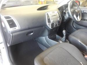Hyundai i20 1.6 - Image 6