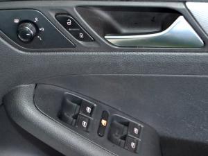 Volkswagen Jetta GP 1.2 TSi Trendline - Image 28