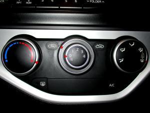 Kia Picanto 1.0 LX - Image 23