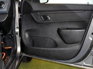 Renault Kwid 1.0 Dynamique 5-Door automatic - Image 28