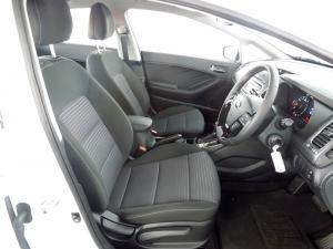 Kia Cerato 1.6 EX automatic - Image 12
