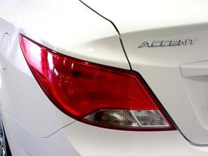 Hyundai Accent 1.6 GLS/FLUID automatic - Image 13