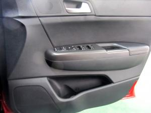 Kia Sportage 2.0 Crdi EX automatic - Image 10