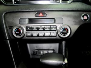 Kia Sportage 2.0 Crdi EX automatic - Image 12