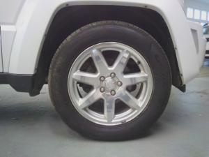 Jeep Cherokee 3.7L Limited - Image 11