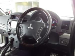 Mitsubishi Pajero 3-door 3.2DI-D GLS - Image 6