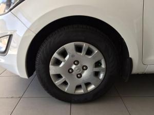 Hyundai i20 1.2 Fluid - Image 12