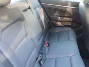 Hyundai Elantra 1.6 Executive - Image 5