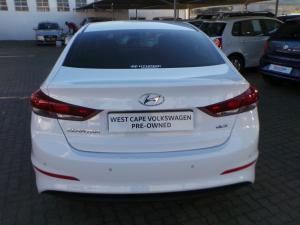 Hyundai Elantra 1.6 Executive - Image 6