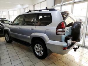 Toyota Land Cruiser Prado 4.0 VX - Image 2