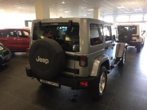 Jeep Wrangler Unlimited 3.6L Sahara - Image 6
