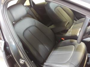 Audi A6 2.0 TDiStronic - Image 10