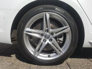 Audi A4 2.0T FSI Quatt Sport Stronic - Image 6
