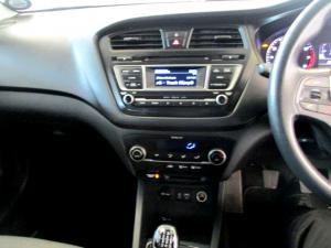 Hyundai i20 1.4 Fluid - Image 18