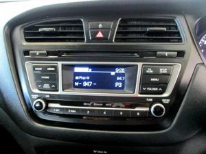 Hyundai i20 1.4 Fluid - Image 20