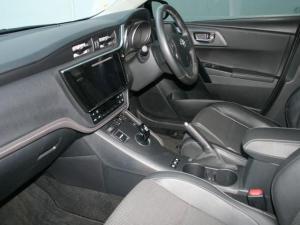 Toyota Auris 1.8 XR HSD - Image 5