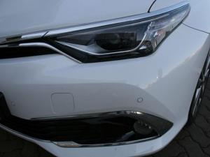 Toyota Auris 1.8 XR HSD - Image 7