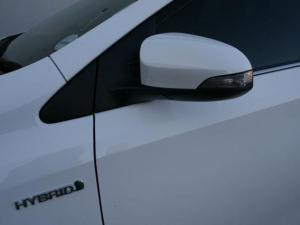 Toyota Auris 1.8 XR HSD - Image 9