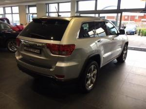 Jeep Grand Cherokee 5.7L Overland - Image 4