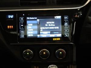 Toyota Corolla 1.6 Prestige - Image 11