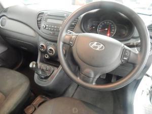 Hyundai i10 1.1 GLS - Image 9