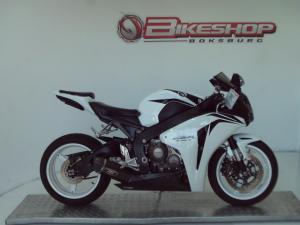 Honda CBR 1000RR - Image 1