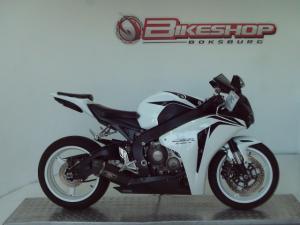 Honda CBR 1000RR - Image 2