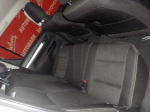 Toyota Hilux 2.8GD-6 double cab Raider auto - Image 6
