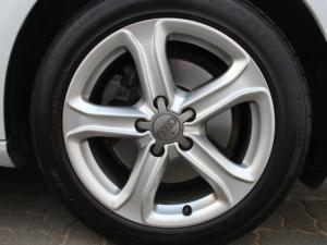 Audi A4 2.0 TDI SE Multitronic - Image 15