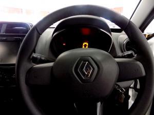 Renault Kwid 1.0 Expression 5-Door - Image 17