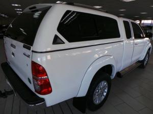 Toyota Hilux 3.0D-4D Xtra cab 4x4 Raider - Image 3