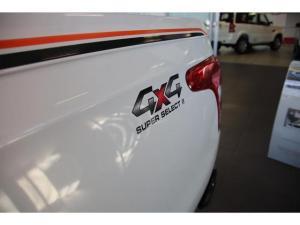 Mitsubishi Triton 2.4 Di-DC 4X4 automaticD/C - Image 10