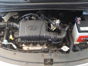 Hyundai i10 1.1 GLS/MOTION - Image 14