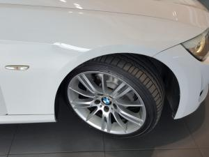 BMW 320i Coupe Sport automatic - Image 6