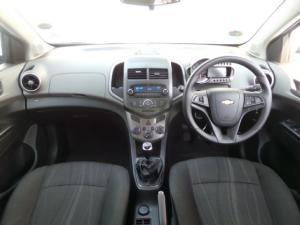 Chevrolet Sonic sedan 1.6 LS - Image 10
