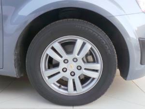 Chevrolet Sonic sedan 1.6 LS - Image 11