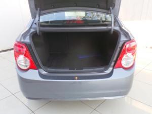 Chevrolet Sonic sedan 1.6 LS - Image 8
