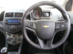 Chevrolet Sonic sedan 1.6 LS - Image 9