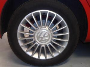 Volkswagen Move UP! 1.0 5-Door - Image 3