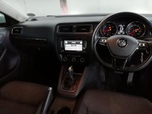 Volkswagen Jetta GP 1.6 TDI Comfortline DSG - Image 5