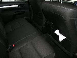Toyota Hilux 2.8 GD-6 Raider 4X4D/C automatic - Image 10