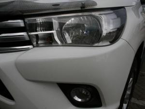 Toyota Hilux 2.8 GD-6 Raider 4X4D/C automatic - Image 7