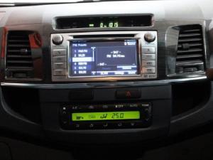 Toyota Hilux V6 4.0 double cab Raider - Image 14