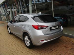 Mazda MAZDA3 1.6 Dynamic 5-Door automatic - Image 4