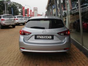 Mazda MAZDA3 1.6 Dynamic 5-Door automatic - Image 6