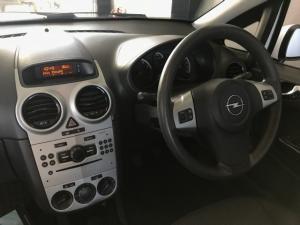 Opel Corsa 1.4 Essentia - Image 4