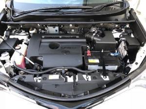 Toyota RAV4 2.2D-4D AWD GX - Image 7