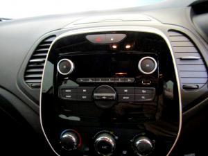 Renault Captur 900T Blaze 5-Door - Image 25