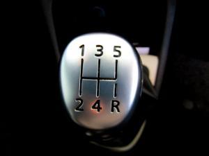 Renault Captur 900T Blaze 5-Door - Image 27