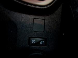 Renault Captur 900T Blaze 5-Door - Image 28